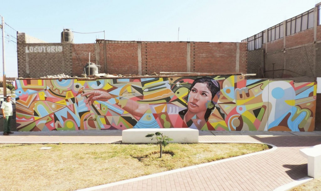 Decertor paints a new mural in Nuevo Chimbote, Peru