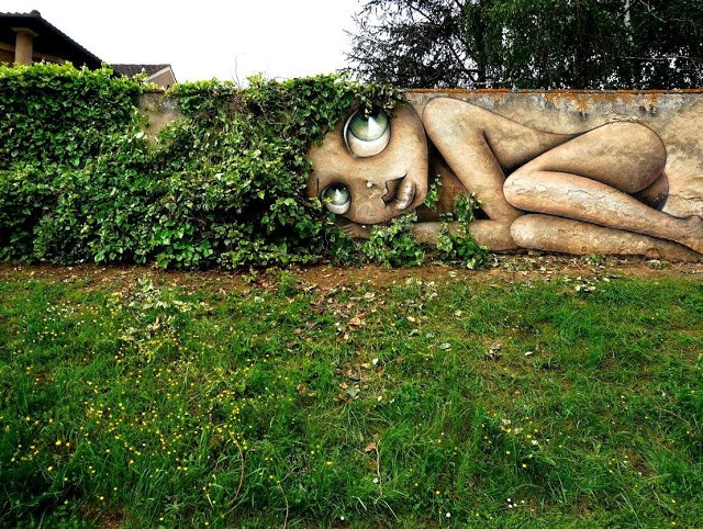 Vinnie creates a new piece in Eauze, France