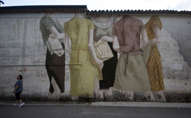 Hyuro paints a new mural in San Potito Sannitico, Italy