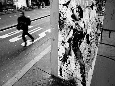WK Interact in Paris' Streets