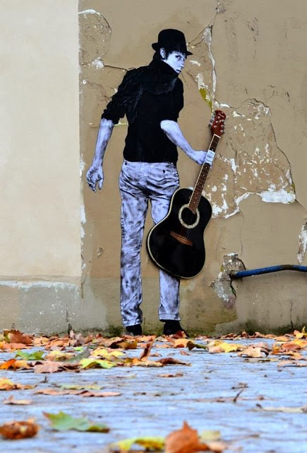 "Levalet ""Orphee"" New Street Piece - Paris, France"