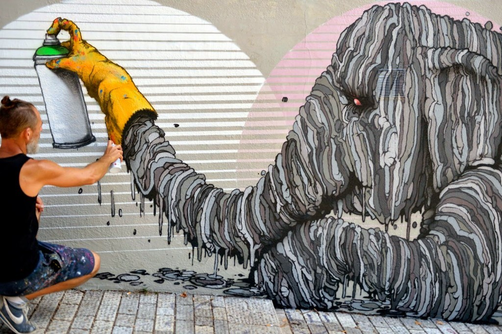 """Brusk drops a new piece with """"Defense De S'afficher"""" In Lyon, France"""