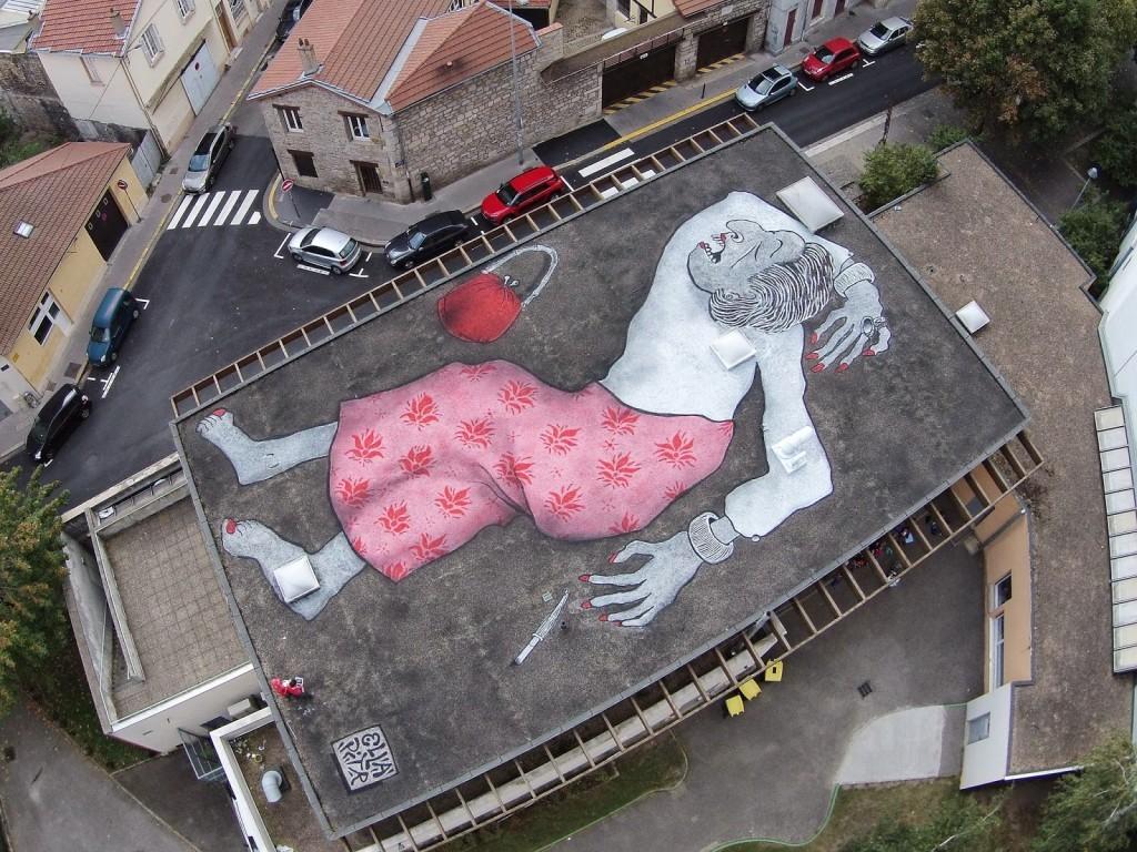 Ella & Pitr paint a giant piece in Saint-Etienne, France