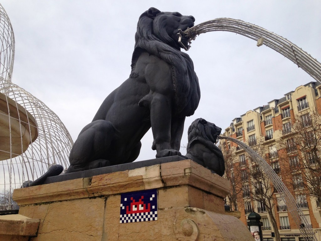Invader kicks off 2015 with a brand new invasion in Paris, France