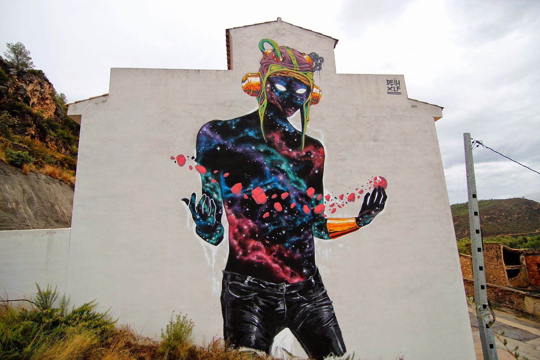 "Deih paints ""The Visitor"" in Fanzara, Spain"
