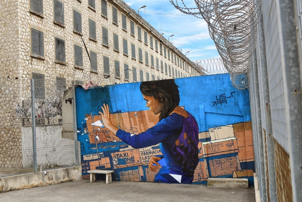David Mesguich paints new pieces at the Baumettes Prison of Marseille, France