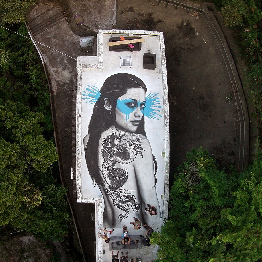 "Fin DAC paints ""Senaka"", a new rooftop piece in Hong-Kong"