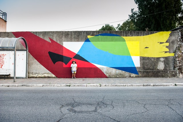 Elian creates a new mural in Gaeta for Memorie Urbane '15
