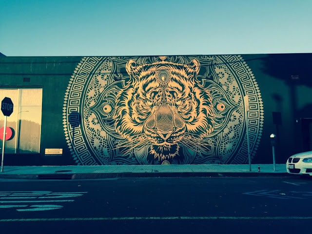 Chris Saunders unveils a new mural in Los Angeles, USA