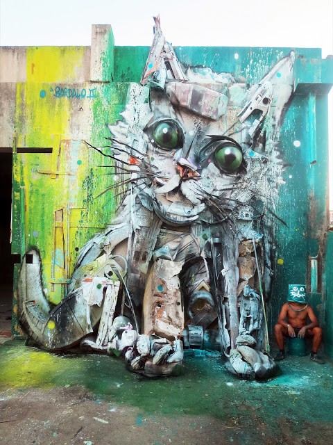 """Trash Cat"", a new street installation by Bordalo II in Portugal"