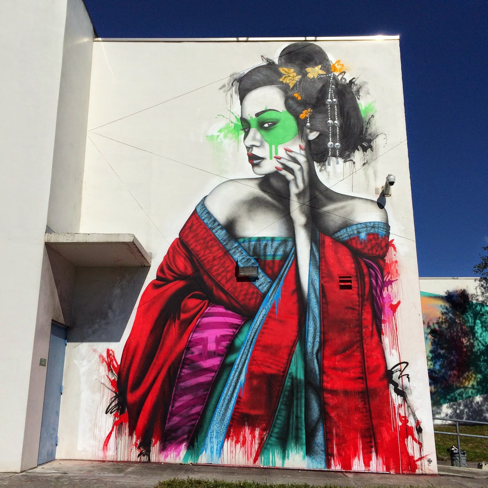 Art Basel '14: Fin DAC paints two new pieces in Wynwood, Miami
