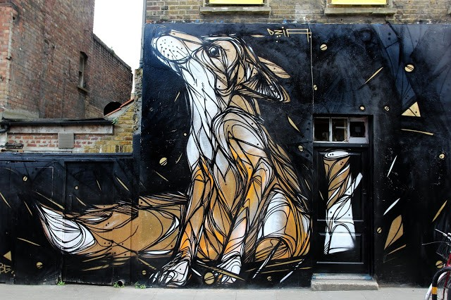 "DZIA paints ""Gold Fox Puppy"", his new mural in East London, UK"