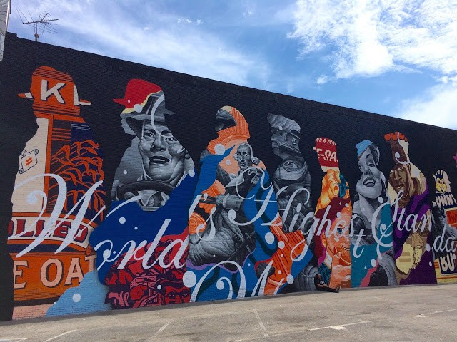 Tristan Eaton creates a large piece for Pow! Wow! Long Beach