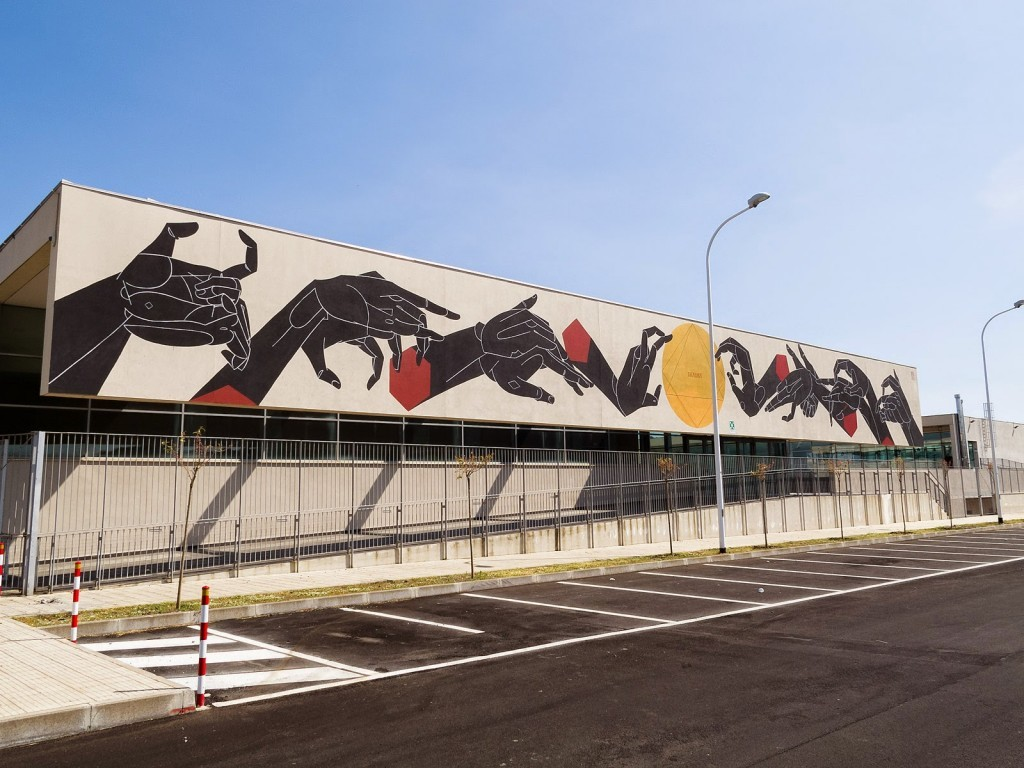 "Basik unveils ""Thauma"", its latest piece in Misterbianco, Italy"
