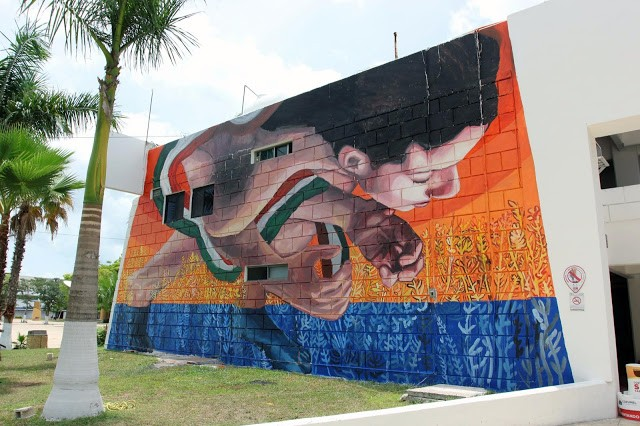SeaWalls '15: Ever creates a new mural in Cozumel, Mexico