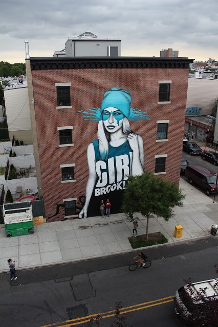 "FinDAC creates ""B-Girl"", a new mural in Brooklyn, New York City"