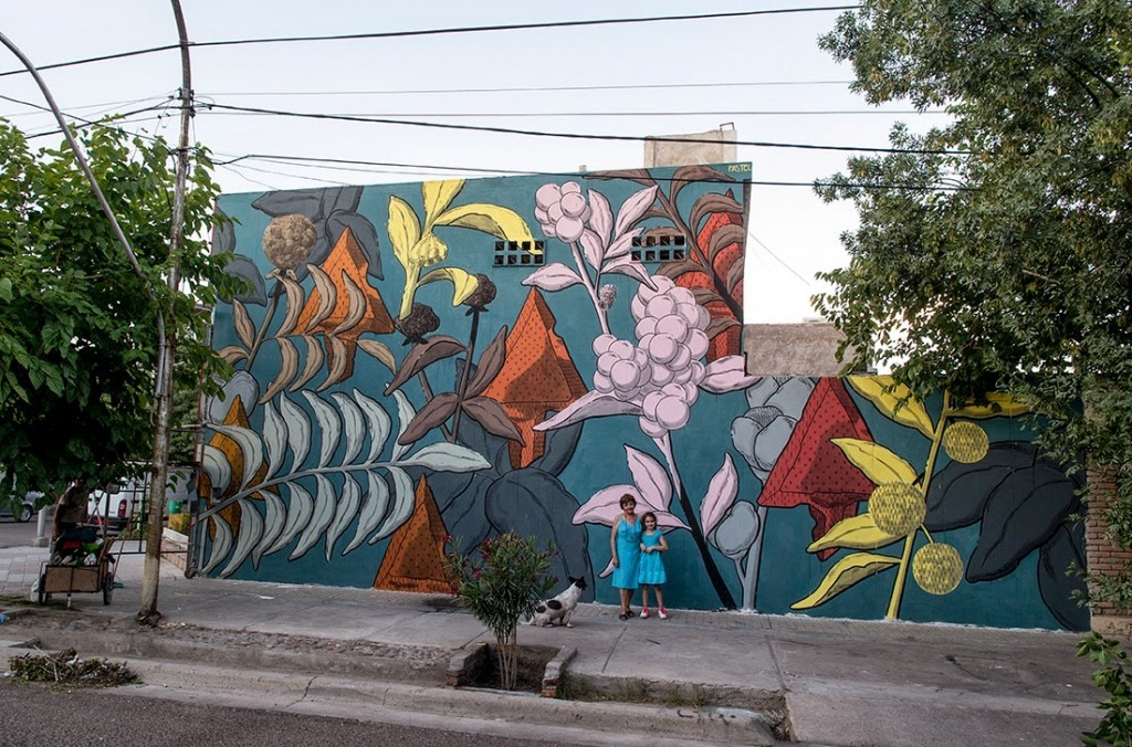 Pastel creates a beautiful mural on the streets of Mendoza, Argentina