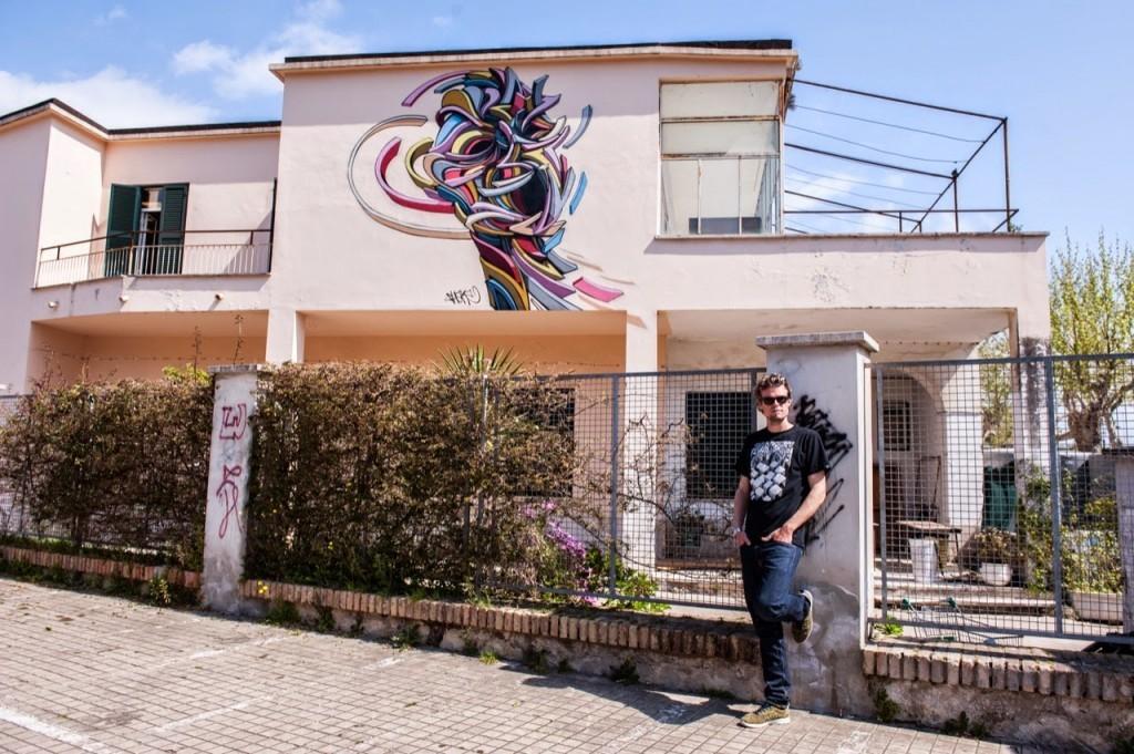 Shaka paints a new piece for Memorie Urbane '15 in Gaeta, Italy