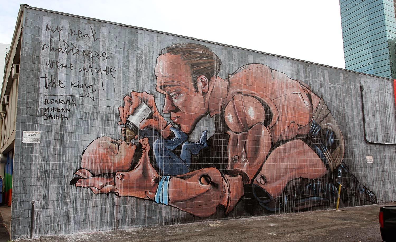 Pow Wow 15 Herakut Creates A New Mural In Honolulu