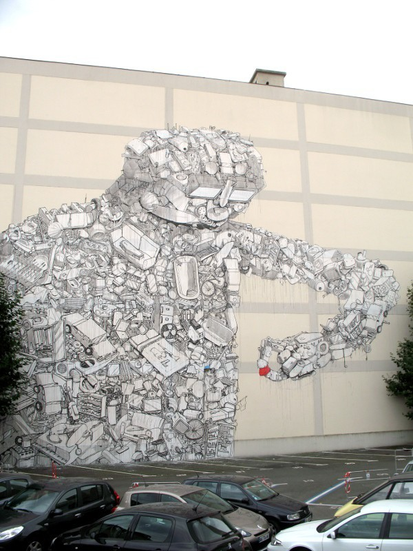 New work from Blu pops up in Rennes, France