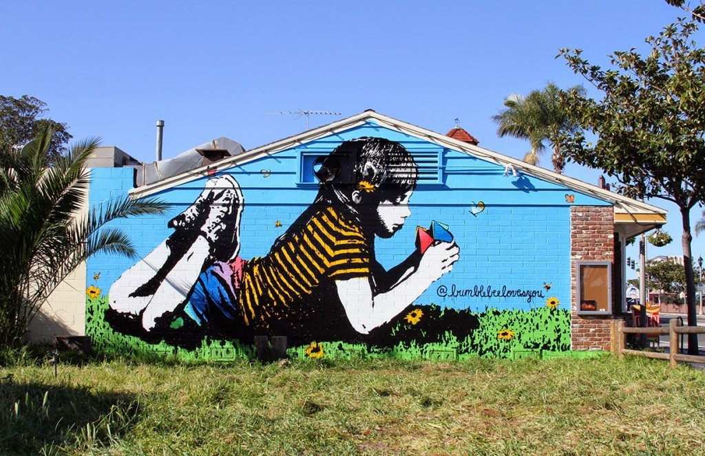 BumbleBee paints a new mural in Carlsbad, California