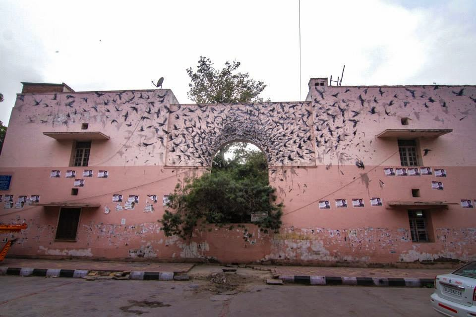 DalEast paints a new mural in Delhi, India