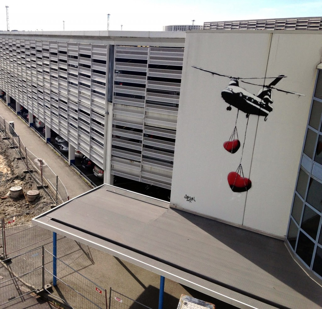 """Martin Whatson """"Chinook Hearts"""" New Mural For Nuart – Stavanger, Norway"""
