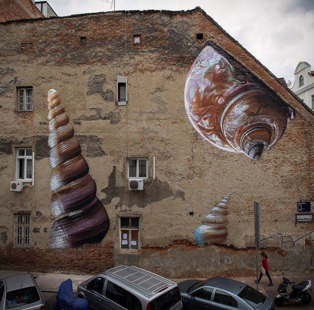 "Lonac paints ""Xenophora"" a new photo realistic mural in Zagreb, Croatia"