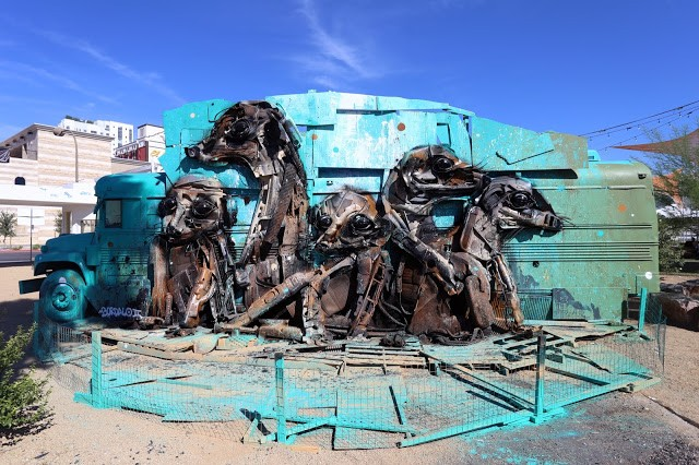 "Life Is Beautiful '15: ""Meerkat"", a new mural by Bordalo II in Las Vegas"