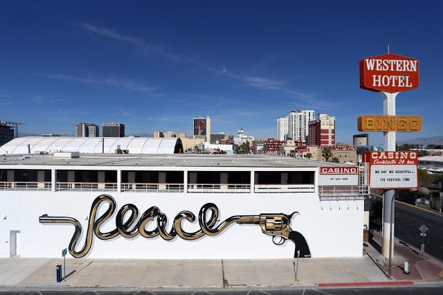 "Life Is Beautiful '15: D*Face unveils ""Peace"", a new mural in Las Vegas"