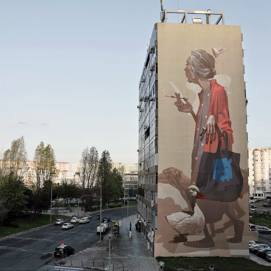 "Sainer unveils ""Crossroads"", a massive new mural in Lisbon"