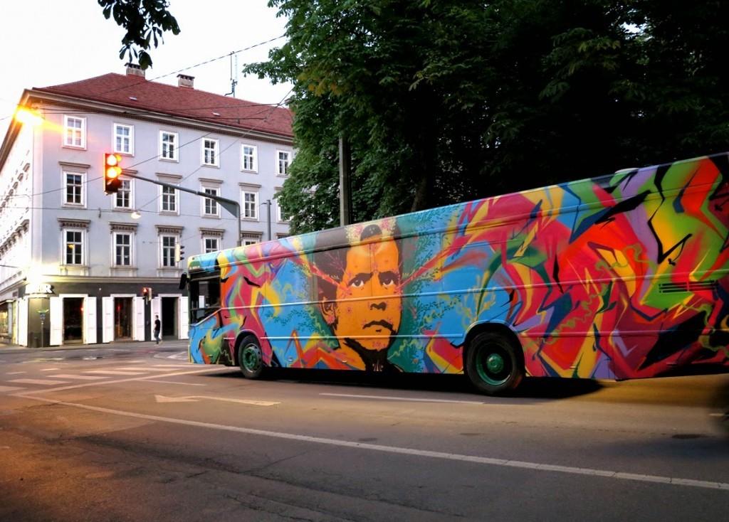 Stinkfish Paints a Bus in Graz, Austria