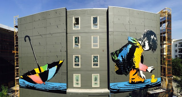 BumbleBee creates a large mural in Seattle, USA