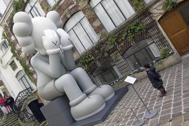 """KAWS """"Imaginary Friends"""" Paris Exhibition Coverage"""