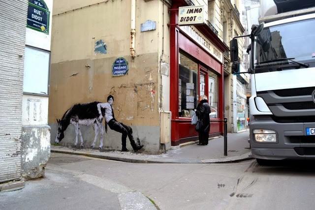 """Levalet """"Travail Contre Nature"""" New Street Piece - Paris, France"""
