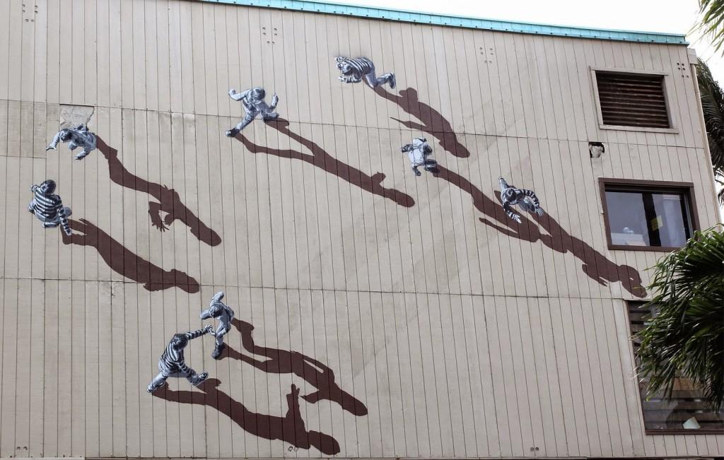 Pow! Wow! '15: Strøk paints a new mural in Honolulu, Hawaii