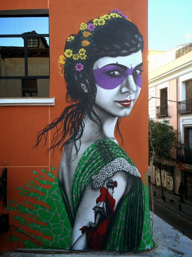 "Fin DAC paints ""Isabelita"" on the streets of Madrid, Spain"