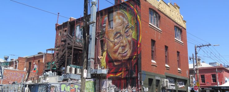 Adnate paints the Dalai Lama in Melbourne