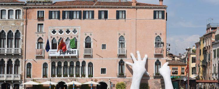 Lorenzo Quinn's New Sculpture Unveiled during Venice Biennale 2017