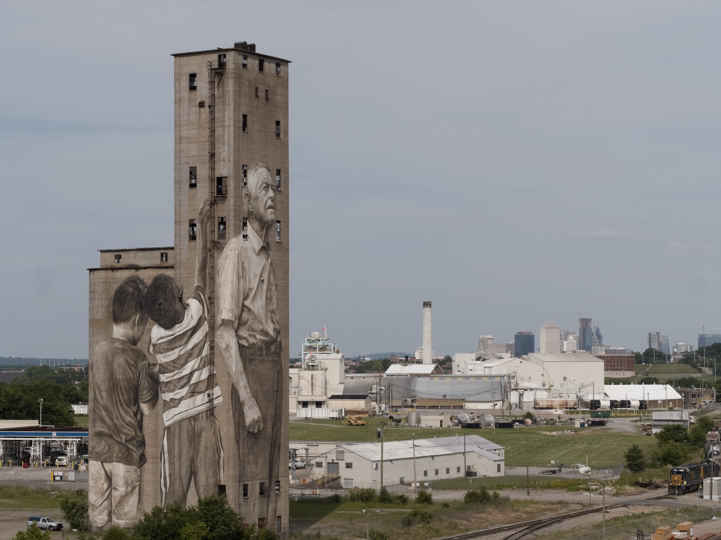 Guido van Helten in Nashville, USA Artes & contextos 12
