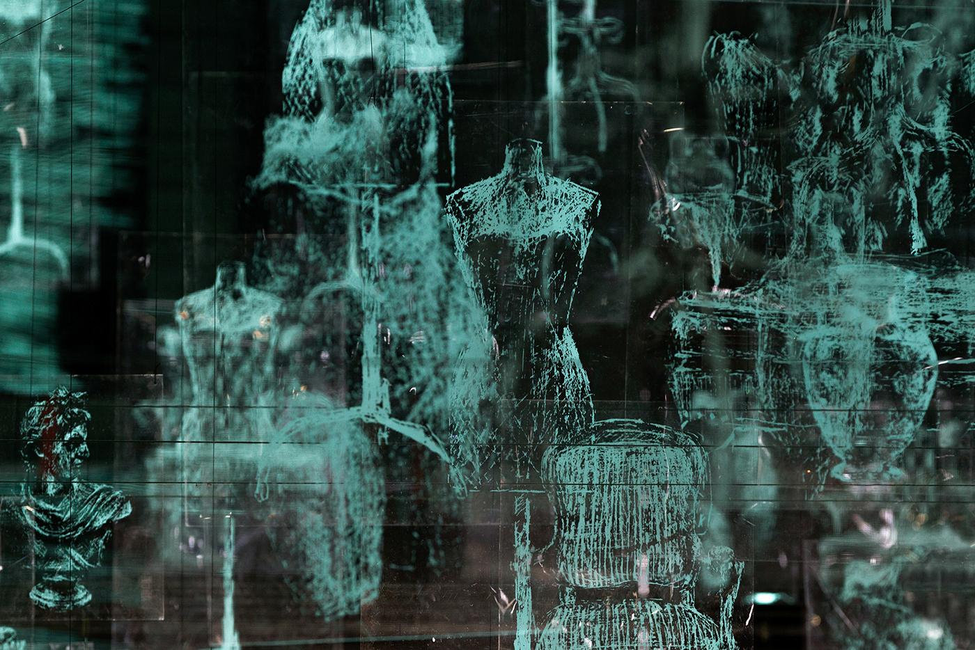 MATIÈRE NOIRE, exhibition by Gonzalo Borondo in Marseille, France Artes & contextos Matière Noire Borondo Untitled detail @ Blind Eye Factory