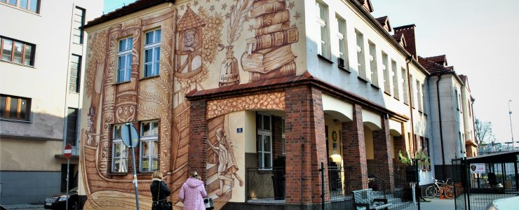 """""""BOOK ADWENTURES"""" by Wow Wall Studio in Srem, Poland"""