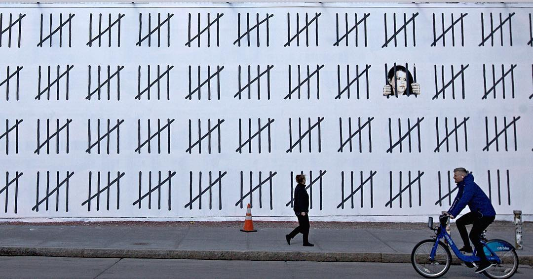 Banksy Takes Over Houston Bowery Wall in New York City Artes & contextos BanksyBoweryStreetArtNews