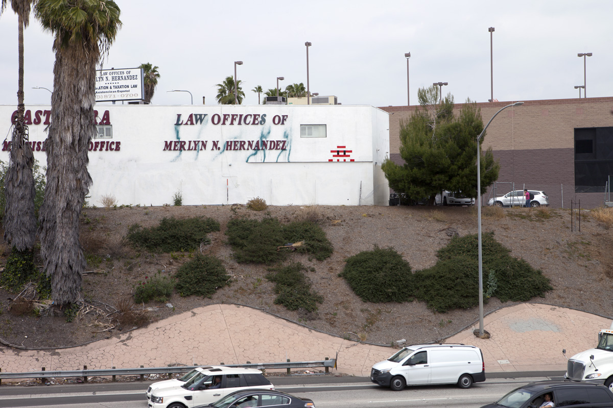 invader returns to los angeles california streetartnews