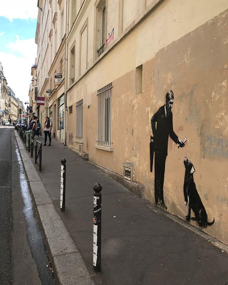 Banksy unveils new pieces in Paris, France Artes & contextos 34543491 206000926887690 1252869151681150976 n