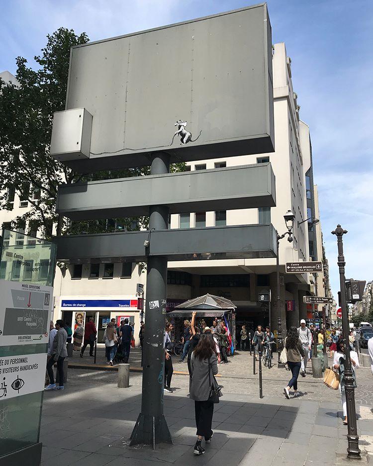 Banksy unveils new pieces in Paris, France Artes & contextos 34885178 2210809082293704 2286921191488749568 n
