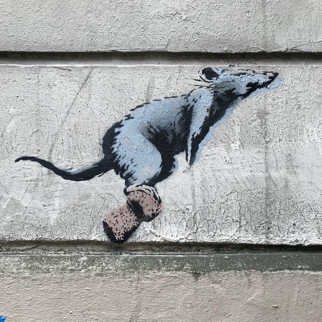 Banksy unveils new pieces in Paris, France Artes & contextos 34982859 186908305304762 7233903379590676480 n
