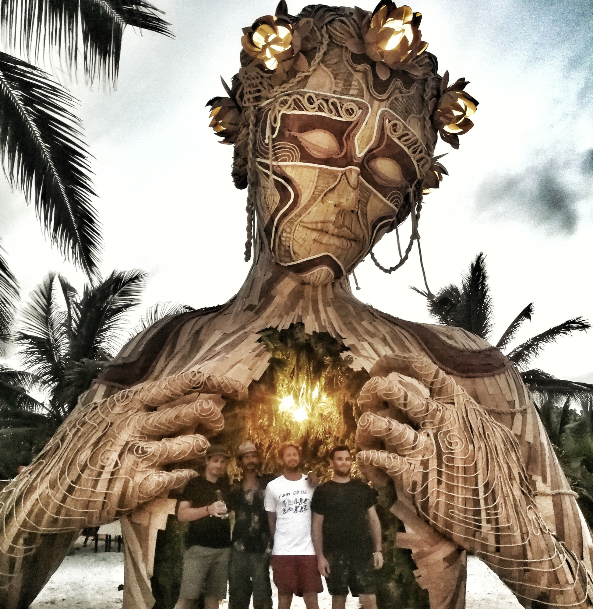 "Daniel Poppper ""Ven a la Luz"" Installation in Tulum, Mexico Artes & contextos IMG 20180516 080606 956"