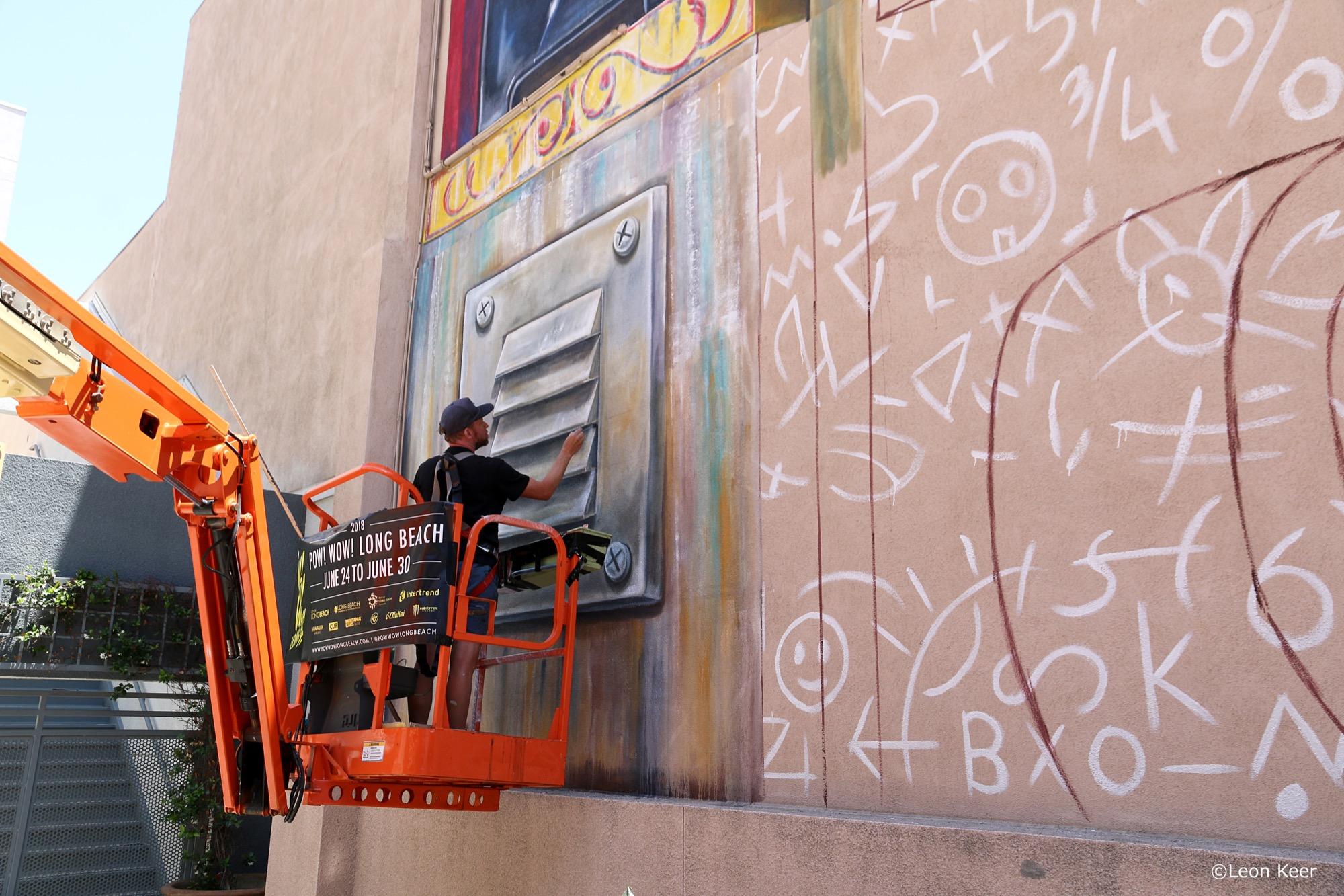 Leon Keer in Long Beach, California Artes & contextos details leon keer powwow 41482393580 o