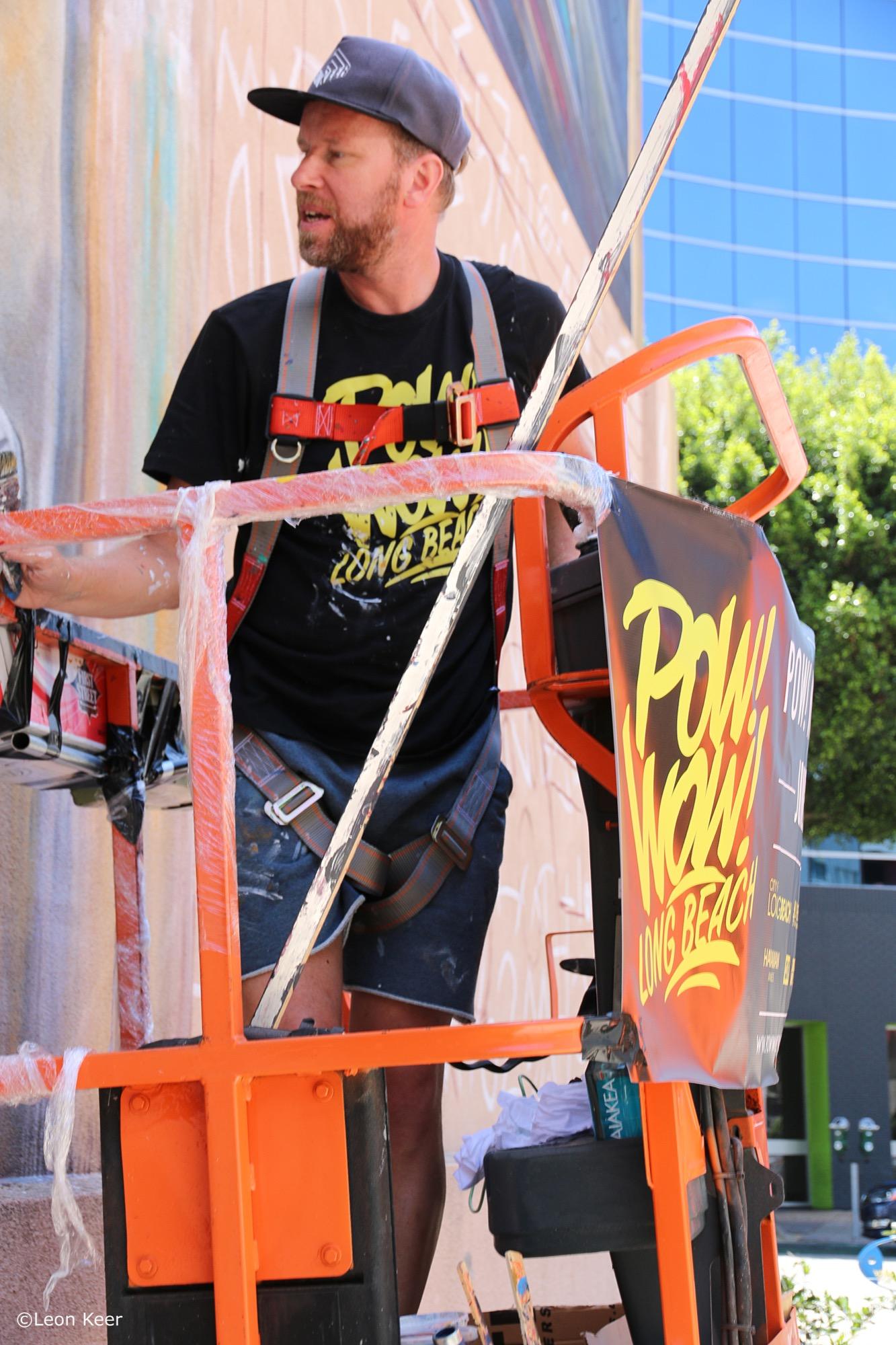 Leon Keer in Long Beach, California Artes & contextos leonkeer powwow longbeach mural 43292014161 o
